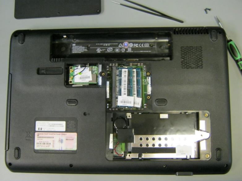 ноутбук со снятым винчестером