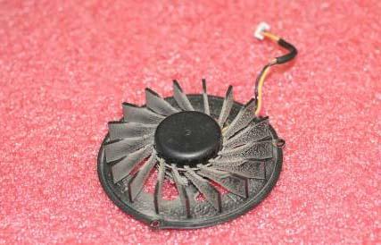 Вентилятор в пыли