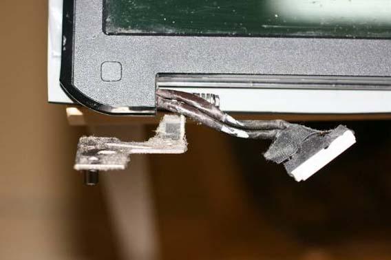 Отсодениненный дисплей ноутбука