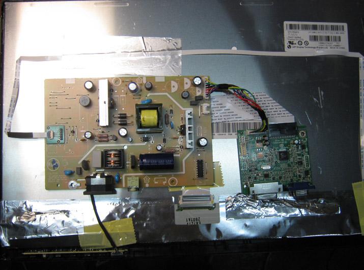 Внутренности монитора с LED подсветкой