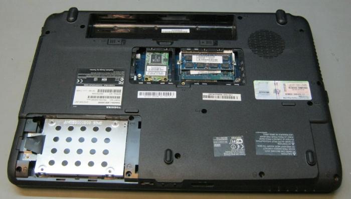 Toshiba Satellite L455 без крышек отсеков